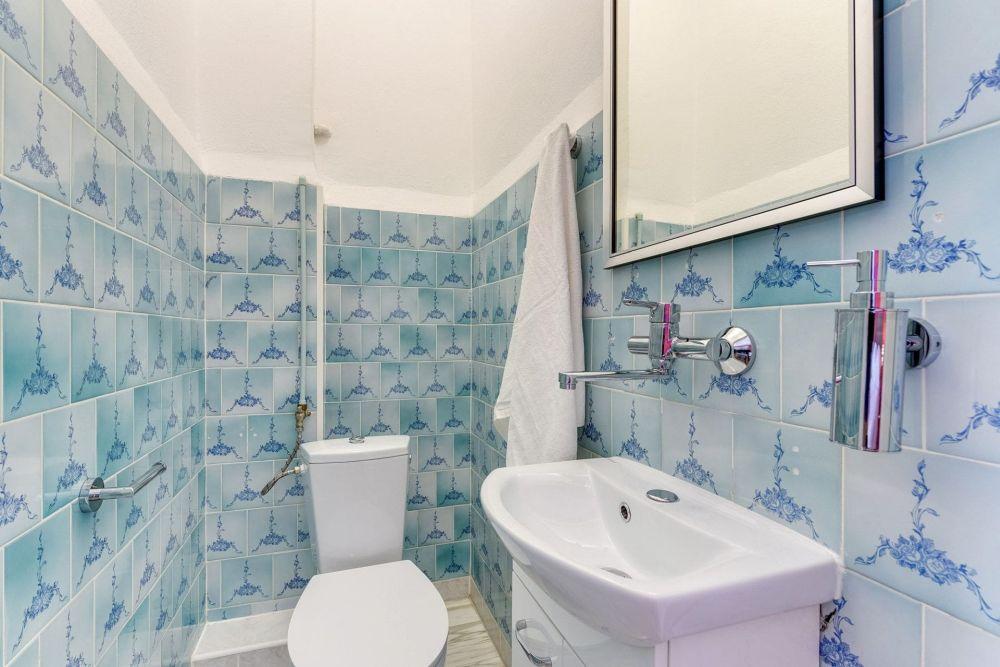 Pokój dwuosobowy ze współdzielonym prysznicem